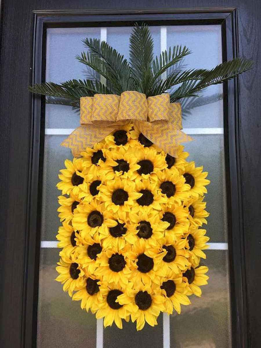 60 Beautiful Front Door Summer Wreath Decor Ideas (32)