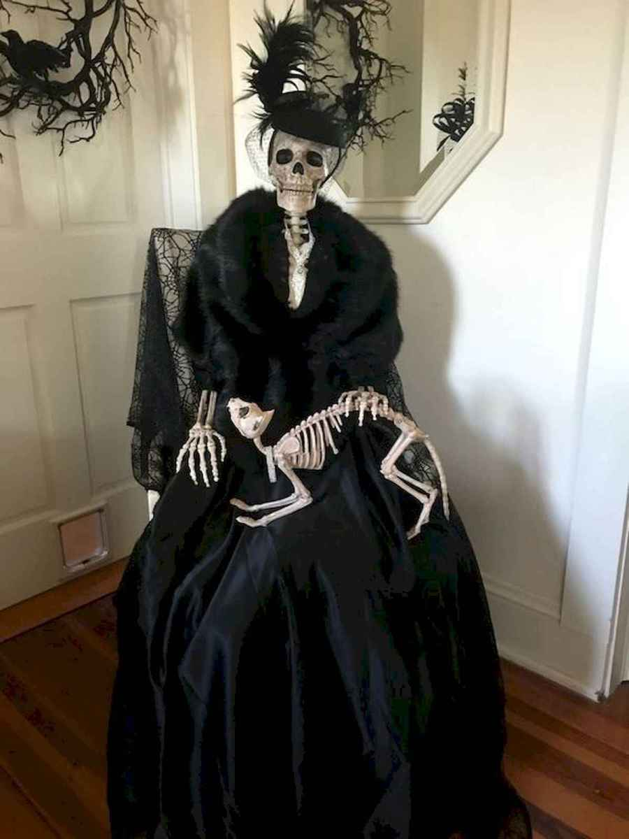 90 Awesome DIY Halloween Decorations Ideas (33)