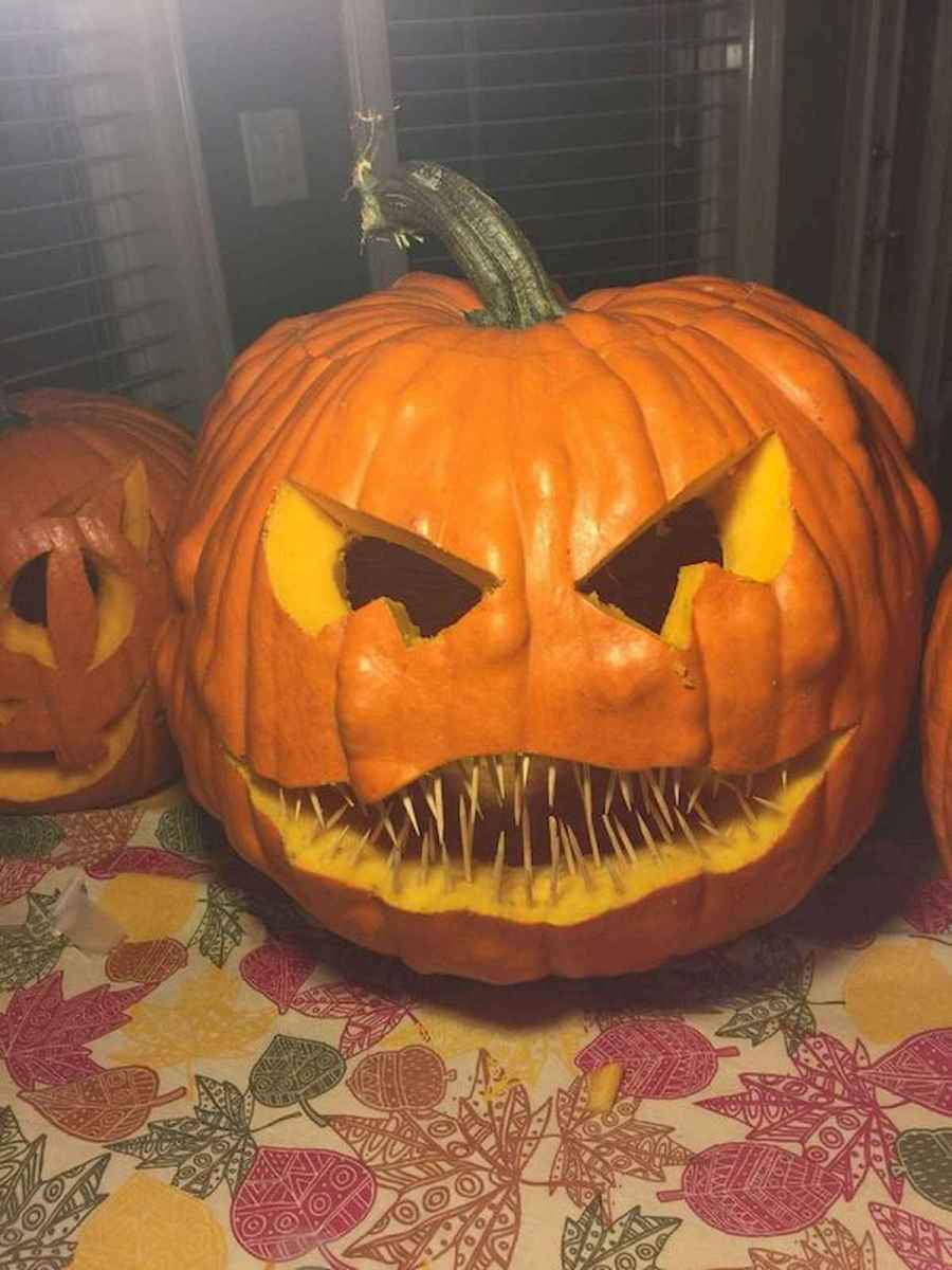 90 Awesome DIY Halloween Decorations Ideas (84)