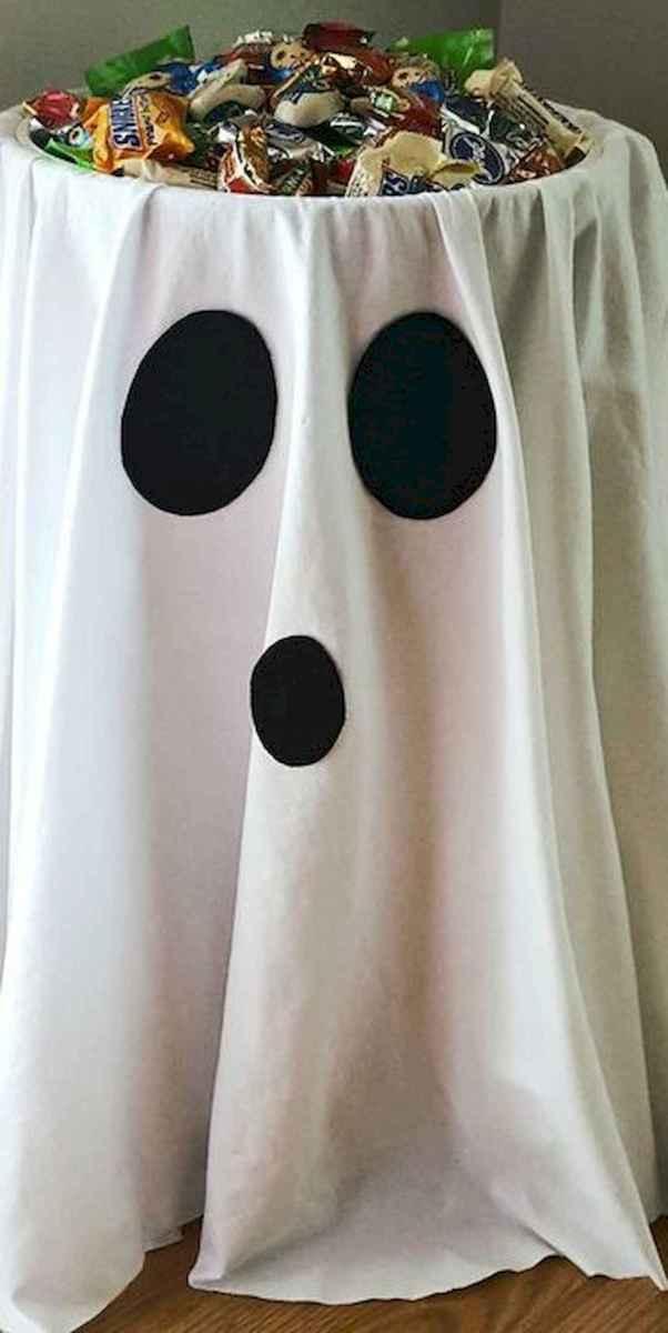 90 Fantastic Halloween Party Decor Ideas (36)