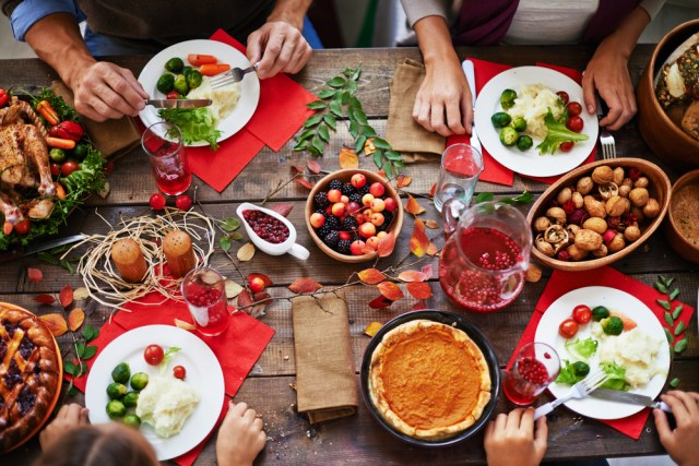 healthy holiday eating strategies