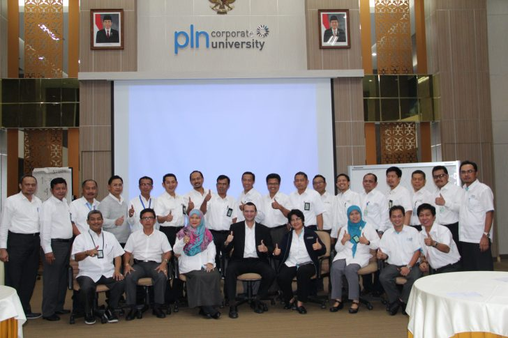 Leaders Money Character @ PLN University
