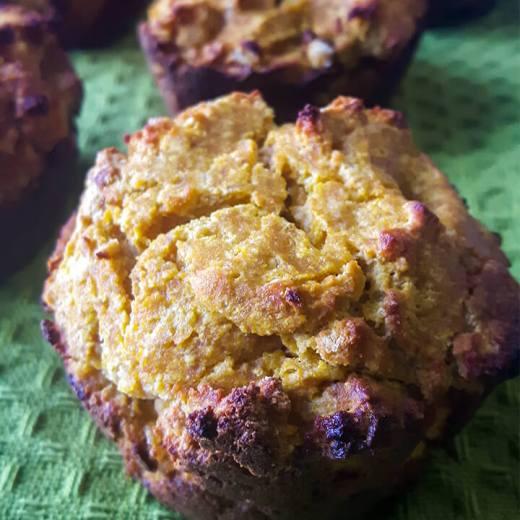 easy pumpkin muffin recipe (gluten free, paleo, GAPs) | coconut muffins | low carb muffins recipe