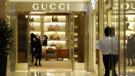 China cuts import taxes to boost consumer demand