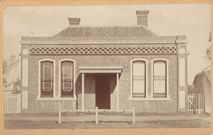 Inverell Bank, circa 1888. Photo Credit: Digitised by Anne Glennie from the Glennie Family Albums)
