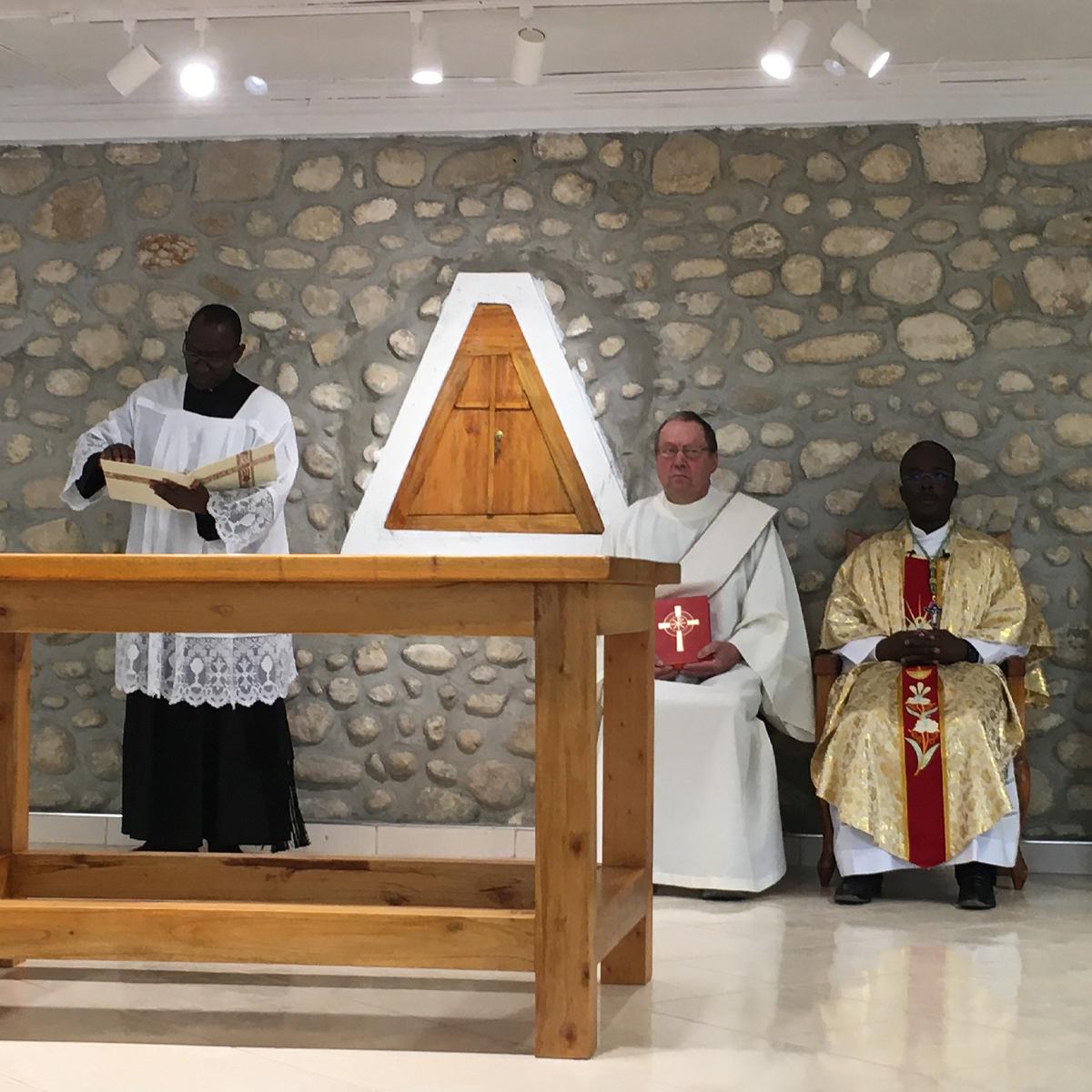 scene from catholic mass