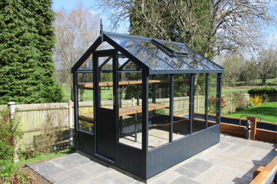 Kingfisher-Wooden-Greenhouse-Coastal-Garden-Buildings-Christchurch-Bournemouth