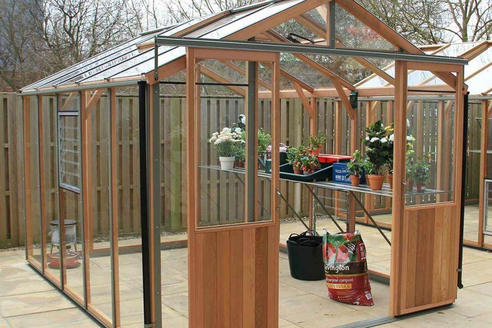 alton-evolution-wooden-greenhouses-garden-buildings-christchurch-bournemouth-dorset-hampshire-v4