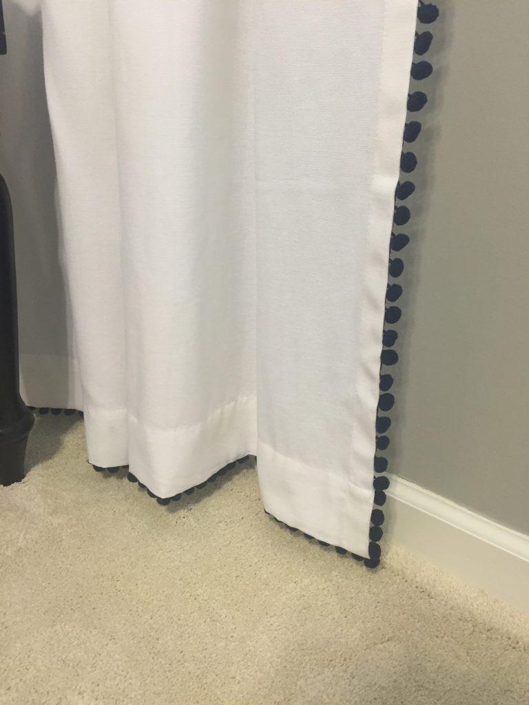 pom curtain 08
