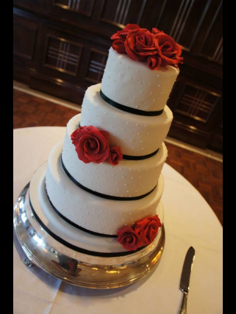 Wedding cakes Dorset Bespoke Wedding Cakes Hampshire Coast Cakes