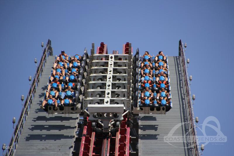 Your seats can rotate 360 degrees as you speed along the track. X2 Im Parkcheckpoint Fur Freizeitparks Und Achterbahnen