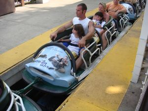 Whizzer Six Flags Great America  Coasterpedia  The