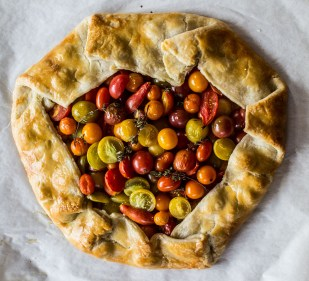 Farm fresh tomato pesto crostata. Dawn Page / CoastsideSlacking