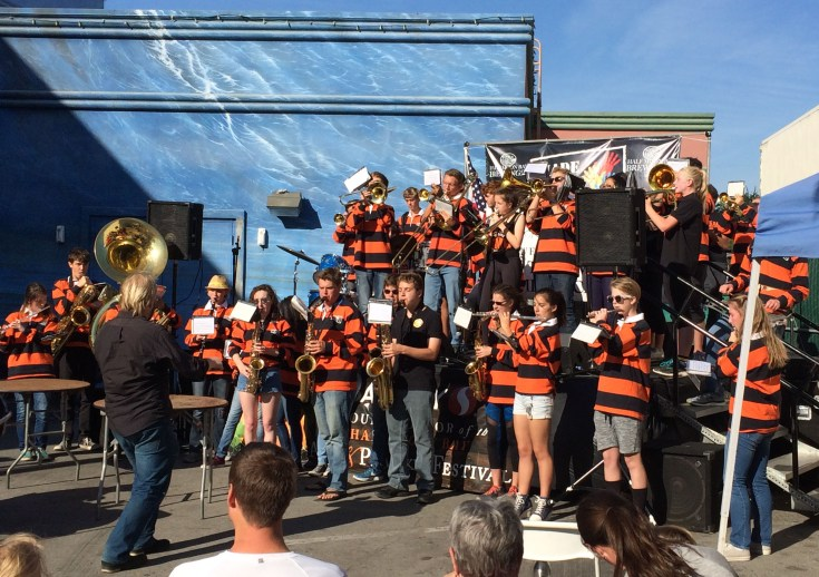 Local musicians entertain at the 2017 Half Moon Bay Pumpkin Festival. Dawn Page / CoastsideSlacking