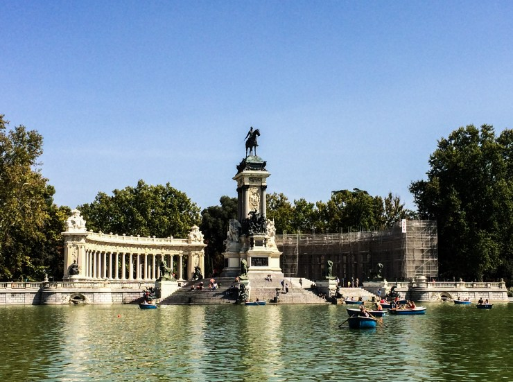 Buen Retiro Park, Madrid, Spain. Dawn Page / CoastsideSlacking