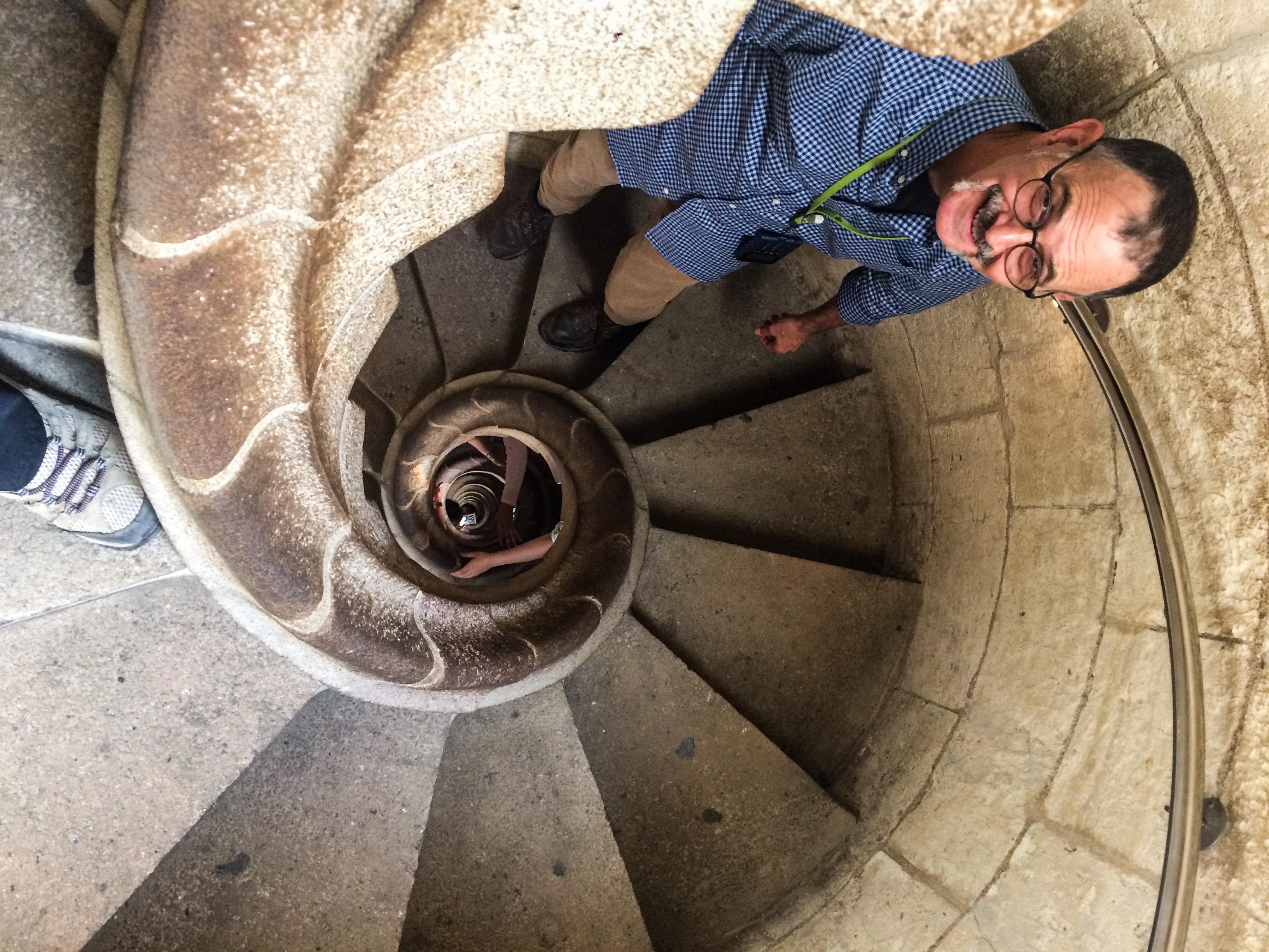 MontaraManDan descends from the north tower at Sagrada Familia, Barcelona. Dawn Page/Coastside Slacking