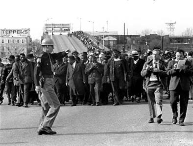 https://mobile.twitter.com/RUBB1SH_1/status/752325250361200641?ref_src=twsrc%5EgoogleMemphis Bridge —- 1965 Dr. King image