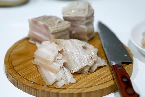 thịt heo luộc