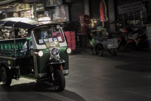 cobalt_state_bangkok_03_tuktuk_night