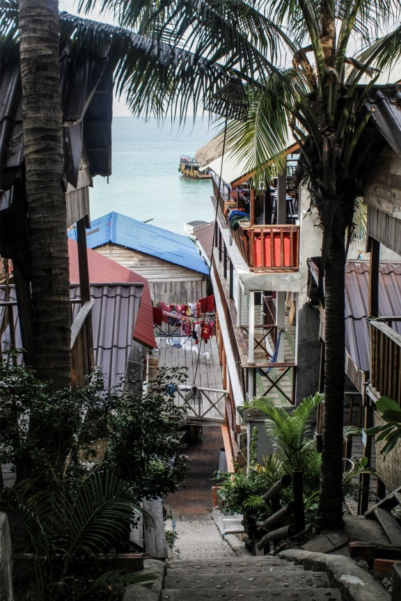 cobaltstate_cambodia_koh_rong_island_floriane_village_colors