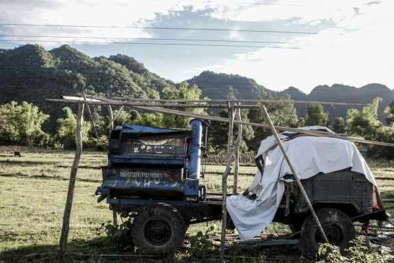 cobaltstate_laos_the_loop_01_machine_field