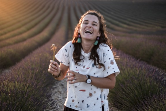 paca_valensole_lavender_fields_sunset_floriane_laugh