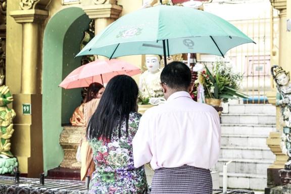 cobalt_state_myanmar_yangon_pagoda_shwedagon_umbrela