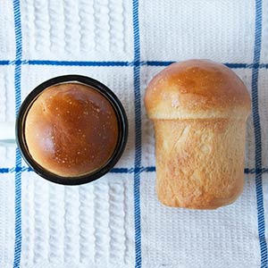 Cobb Baby Pot Bread Stuffed with Cheese