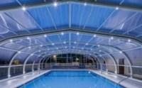 Leds en  las cubiertas de piscina