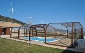 Coberta de piscina amb guies