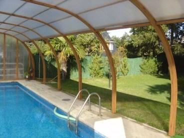 Cubierta piscina color madera pino