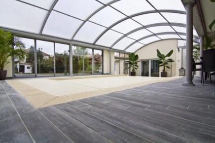 Evitamos la evaporación y la condensación en piscinas interiores