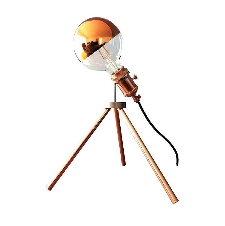 Candeeiro de Mesa Telescope