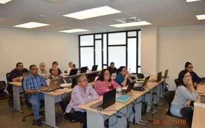 Se capacitan en creación de encuestas y exámenes en línea