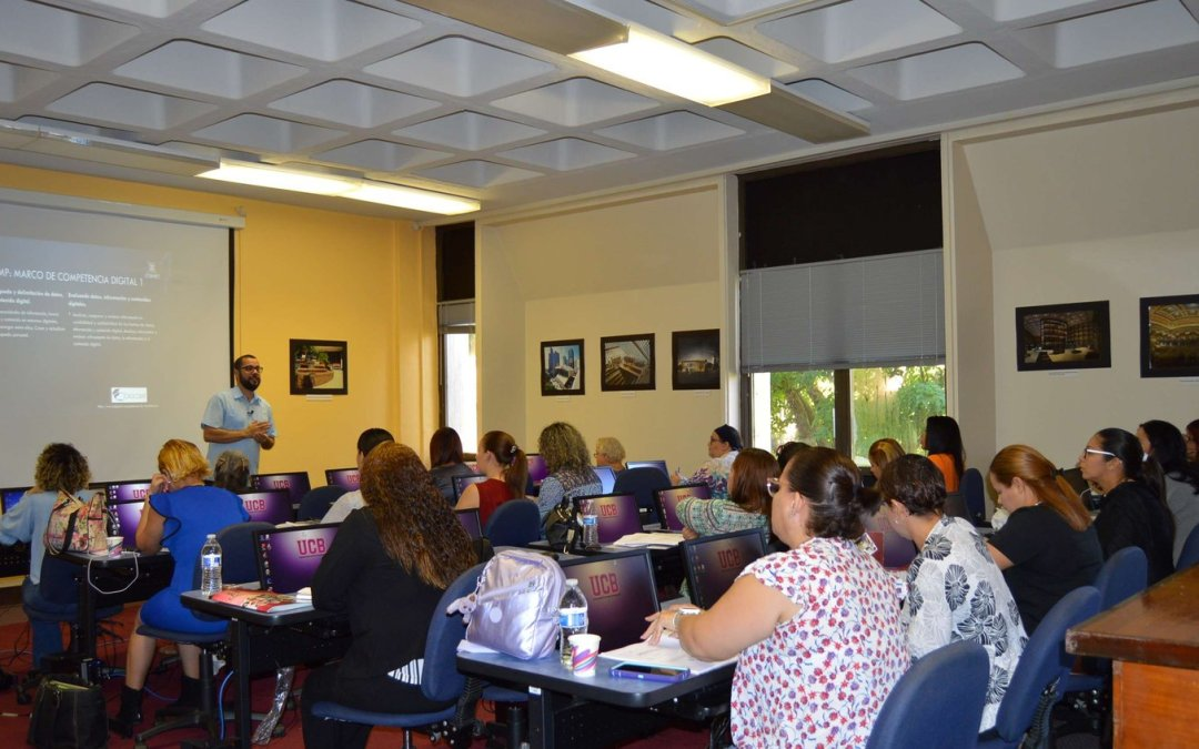 Culmina programa de capacitación a maestros bibliotecarios del DEPR