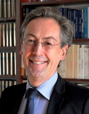 Maurice Thévenet, Professor of Management at ESSEC Business School, consultant and Delegate General of the French Foundation for Management Education (FNEGE), shares a two-part article that looks into the dimensions of Artificial Intelligence versus Natural Intelligence.