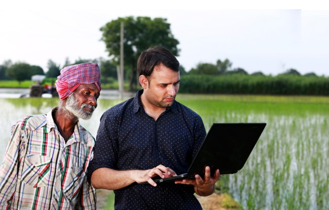 Digital transformation and the fight against poverty. Will greentech and digital technology alleviate poverty in India?