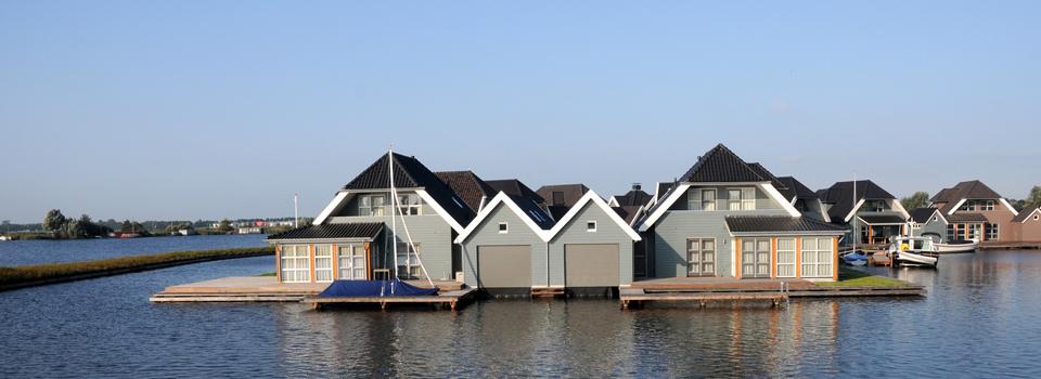 Cobusson garagedeuren boven water