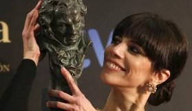 17. Maribel Verdú recoge el segundo Goya de su carrera