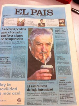 2. El País, vestido de azul
