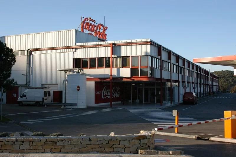 L'investissement des les usines Coca-Cola continue