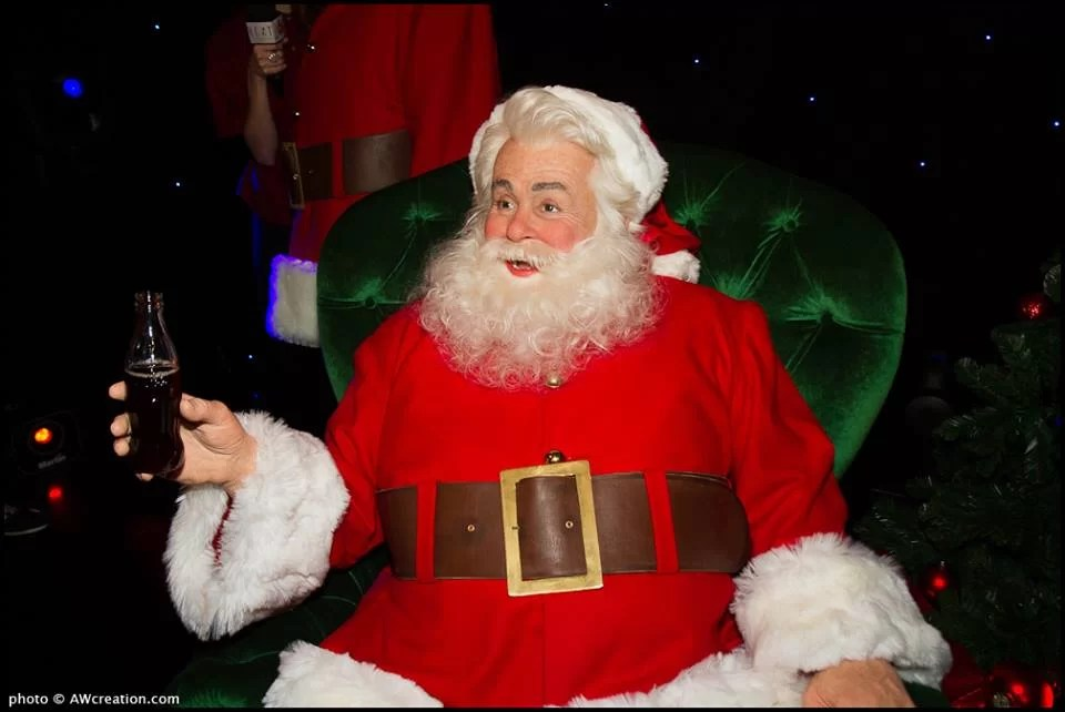 Le Père Noël Coca-Cola a fait son entrée au musée Grévin
