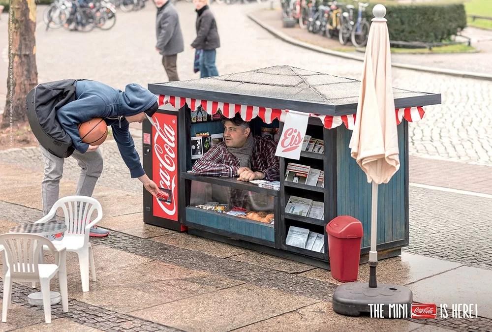 Le mini kiosque Coca-Cola pour les mini canettes
