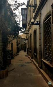 Vicolo di Baku old city - Cocco on the road