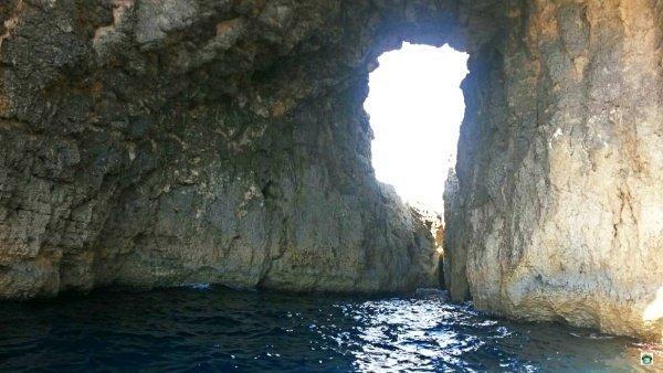 grotte mare Comino