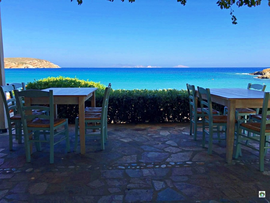 Pranzo vista mare a Naxos - Cocco on the road