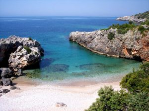 Himara Vacanze in Albania - Cocco on the road