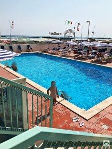 piscina estate italiana