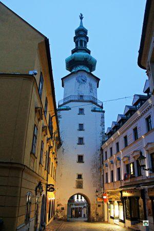 Cosa vedere a Bratislava Porta San Michele - Cocco on the road