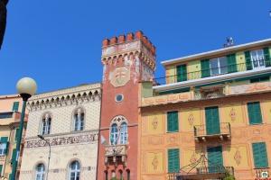 Palazzo Beato Jacopo da Varazze - Cocco on the road